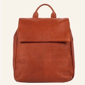 AUTHENTIC AMERICAN LEATHER BRANDY SMOOTH BACKPACK.